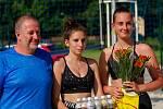 Třetí místo si připsaly v domácím prostředí na své konto Markéta Mazůrková (uprostřed) a Tereza Košinářová.