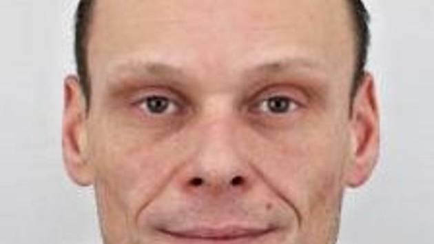 Kriminalisté pátrají po pětačtyřicetiletém Michalu Hladíkovi.