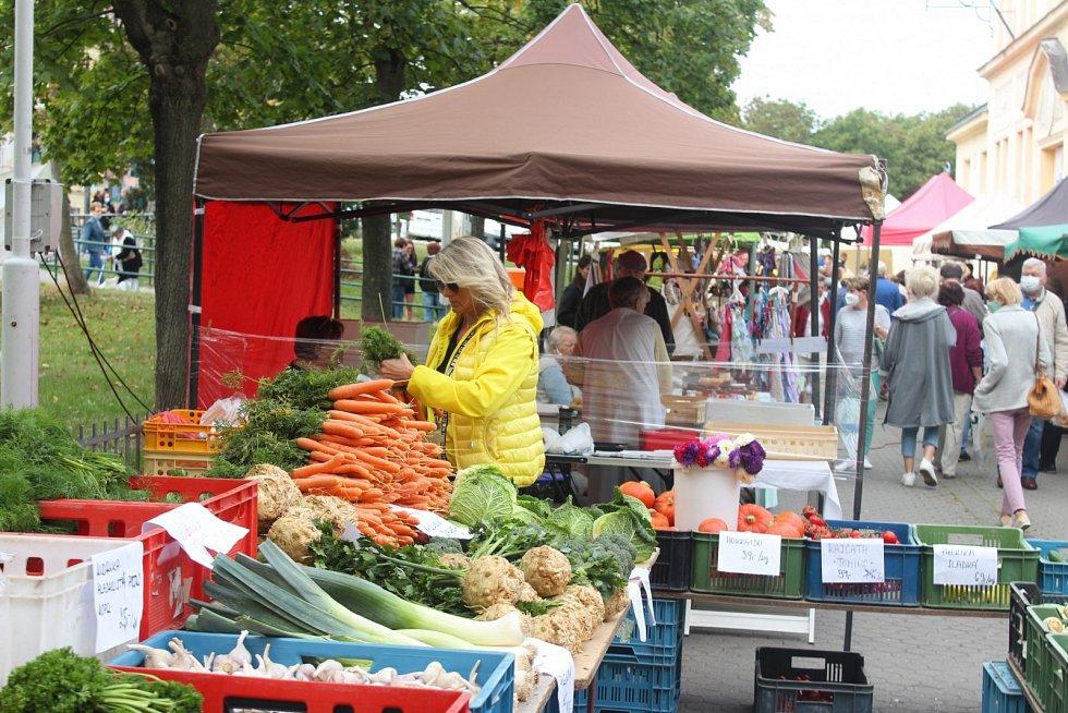 Připomeňte si karlovarské farmářské trhy z loňského září. Takhle to na nich vypadalo.