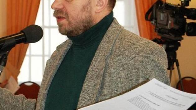 UKONČETE TO, tvrdí Jiří Kotek o sporném projektu.