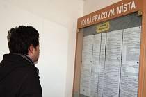 Volných míst nabízených v regionu v listopadu ubylo.