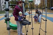 Dětské hřiště v karvinské Mírové ulici.