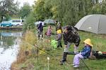 Dětské rybářské závody na rybníku Krach.