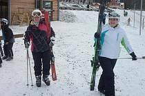 V provozu je také část skiareálu na Plešivci.