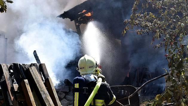 Požár rodinného domu v Jenišově na Karlovarsku.