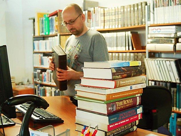 Většina knihoven v regionu má dostatek cizojazyčných svazků. Největším počtem samozřejmě disponuje krajská knihovna.
