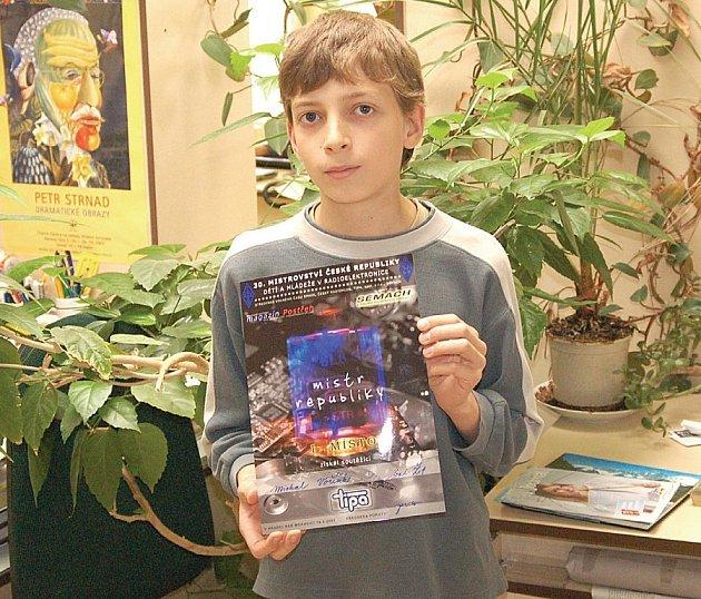 Třináctiletý Michal Voříšek se úspěšně zúčastnil mistrovství republiky v radioelektronice.