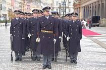 Příprava na summit prezidentů zemí Visegrádské čtyřky v Karlových Varech. Nácvik slavnostního ceremoniálu.