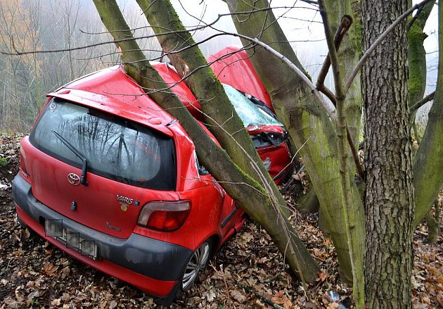 Tragická dopravní nehoda u Hroznětína na Karlovarsku