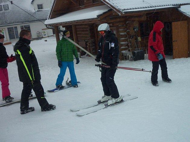 Skiareály v Karlovarském kraji připravily pro lyžaře řadu novinek