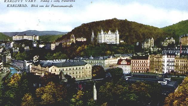 Dvořákovy sady změnily hodně svou podobu. Stával tu kdysi i Blanenský pavilon, který  byl postaven v letech 1880–1881 karlovarským stavitelem Josefem Waldertem. Velká část litinového pavilonu byla zbourána kvůli špatnému stavu v roce 1965, zůstalo z něho