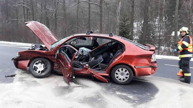 Vážná dopravní nehoda u Olšových Vrat.