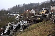 V Radošově na Karlovarsku se sesunul svah do řeky Ohře