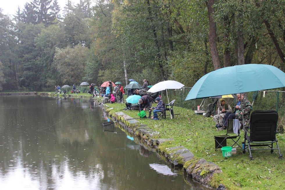 Rybářské závody Na Kocandě.