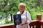 Jitka Kulhánková spolupracovala se Stanislavem Burachovičem na knize Historica Mattoni. Ta mapuje minulost tohoto rodu a bude k dostání pouze tady. Na slavnostním otevření se publikace dočkala křtu, historik se bohužel nemohl akce zúčastnit.