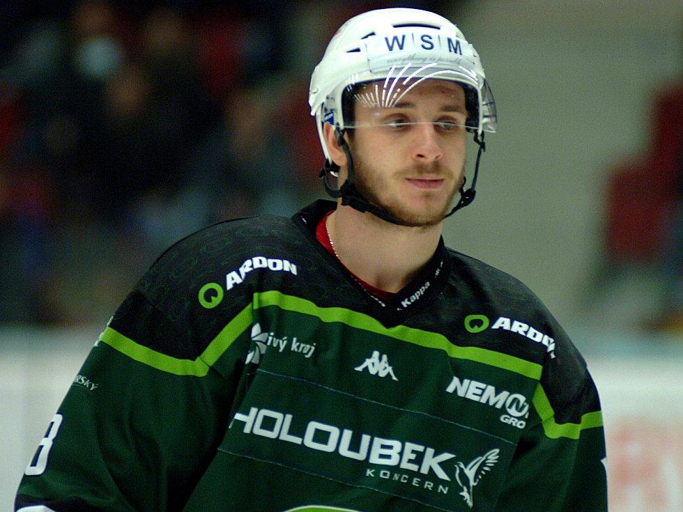 Hokejisté HC Energie (v zeleném) hostili Jihlavu. Ondra beránek