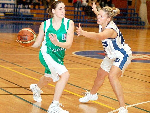Karlovarské basketbalistky podlehly v prvním kole Valosunu Brno o deset bodů.