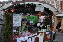 Suché, nebo sladké? Stačí si vybrat. Vyhlášené moselské víno nabízí jeden ze stánků letošních vánočních trhů.