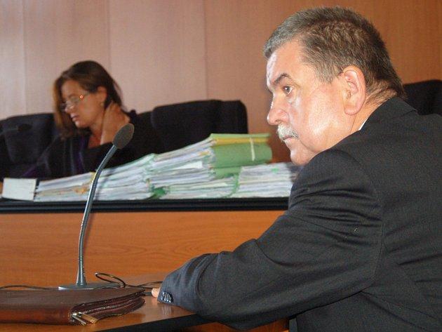 Rozsudek, který uložil Petru Horkému okresní soud, neplatí. Krajský soud ho zrušil.