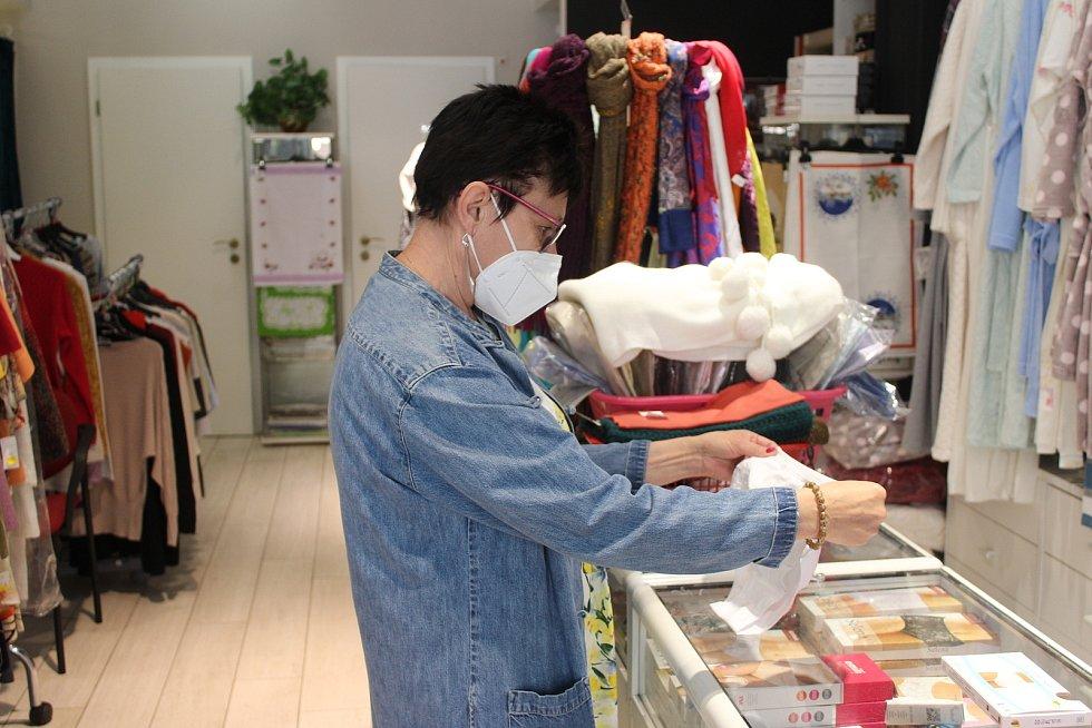 Jarmila Rozvodová vyrazila pro spodní prádlo.