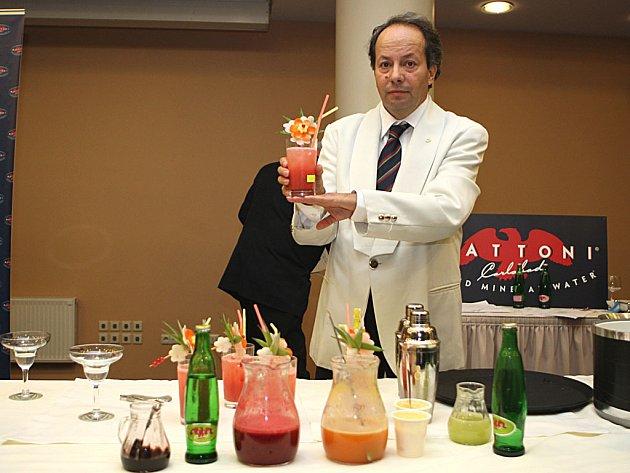 Ve chvíli, kdy při soutěži zvedal svůj hotový nápoj, Alfonso Miniero netušil, že jej bude připravovat ještě jednou, na pódiu při vyhlašování vítěze Mattoni Grand Drink 2007.