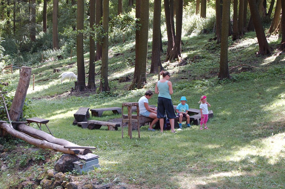 Hamerský domek, který se nachází nedaleko Valče, pořádal o víkendu řemeslnický jarmark.