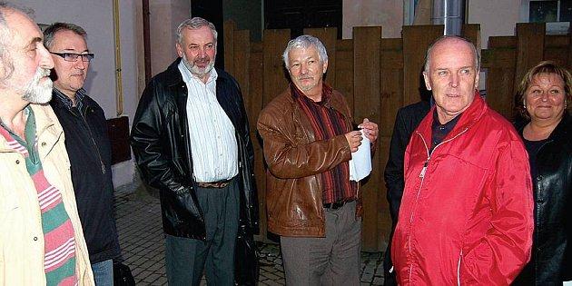 Karlovarští sociální demokraté čekají. Na koalici.