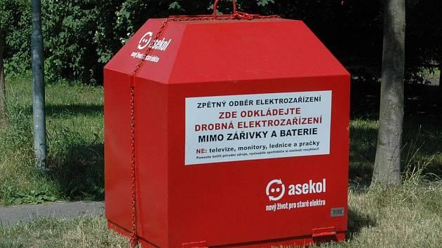 Odpadový experiment. Karlovy Vary jsou prvním krajským městem, které testuje tyto kontejnery.