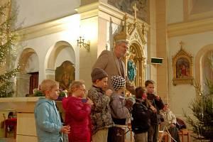 Tradiční předvánoční akci přichystala v úterý dopoledne pro děti ze škol Základní umělecká škola Antonína Dvořáka Karlovy Vary.