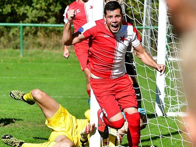 Karlovarská Slavia Všesti odehraných duelech před pozastavením soutěže totiž dosáhla na jedenáct bodů, za což byla odměněna devátou příčkou, která ji nakonec zůstala.