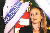 CÉLINE COUSTEAU byla hvězdou letošního ročníku filmového festivalu Tourfilm v Karlových Varech.  Ve foyer hotelu Thermal odpovídala s chutí na řadu otázek o cestování.