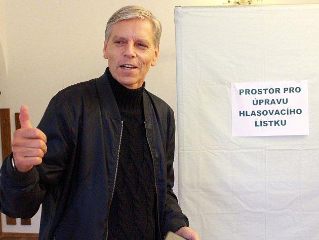 Božídarský starosta Jan Horník obhájil místo v Senátu.