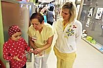 VÝSTAVA FOTOGRAFIÍ věnovaná rozštěpům v obličeji bude v karlovarské nemocnici k vidění po celý březen.