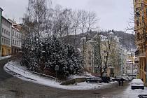 Moravská ulice. Zeleň padne za oběť výstavbě.