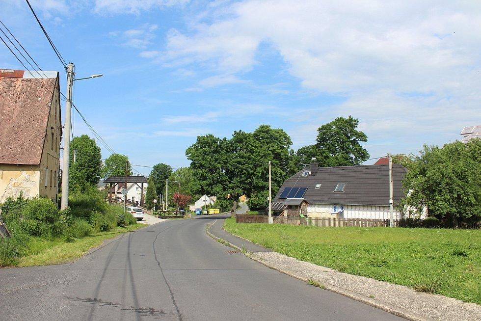 Stanovice se rozrůstají. Dnes tu žije něco málo přes 600 obyvatel. Ideální stav by byl kolem tisícovky.