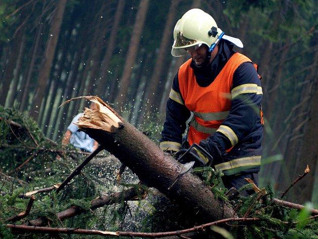 Bouřka se prohnala krajem, nejvíce škod napáchala na Chebsku.