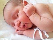Valentýnka Benešová z Andělské Hory se narodila 5. 7. 2014