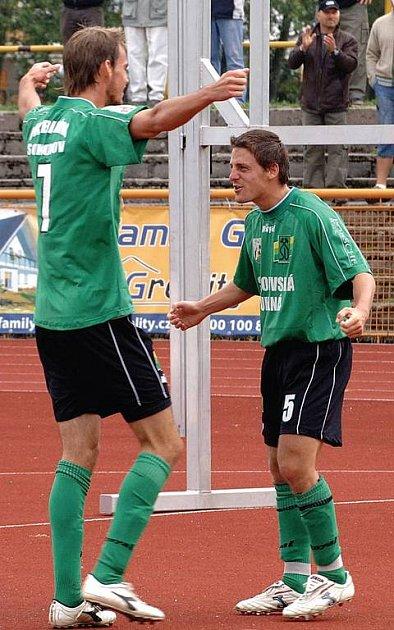 Nejlepší kanonýr druhé ligy Martin Jirouš (vlevo) přidal v utkání se Spartou B již svůj šestý zářez v této sezoně.