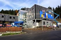 PRVNÍ KAMENNÝ HOSPIC v Karlovarském kraji má začít sloužit klientům na jaře příštího roku.
