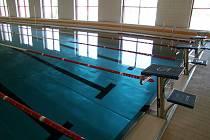 Plavecký bazén u multifunkční haly.