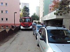 Průjezdnost sídlišť v Benešově a Vlašimi není pro hasiče vůbec ideální.