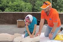 První pomoc si mohli v sobotu 25. července vyzkoušet i návštěvníci hradu Český Šternberk.