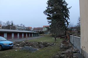 Bude v těchto místech v Žižkově ulici v Benešově stát další bytový dům?