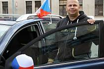 Fanouškové v Benešově Čechům na šampionátu věří.