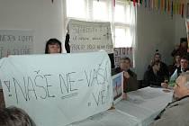 Projednávání změn územního plánu Kozmic spojili Teplýšovičtí s protestem.