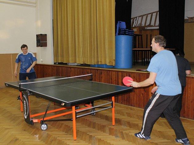 Vánoční turnaj ve stolním tenise má v benešovském DDM už mnohaletou tradici.