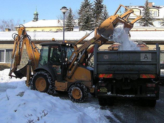 Vzpomínka na minulou zimu ukazuje situaci v Benešově letos 3. února.