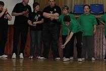 Děti z benešovské Katušky a Diagnostického ústavu Tloskov se ve středu 24. dubna se sešly v benešovském DDM při turnaji v Boče.