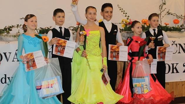 Taneční liga juniorů a mládeže je soutěž výběrového řízení, kterou ve spolupráci s městem Týnec nad Sázavou, Společenským centrem Týnec Taneční škola Salta pravidelně pořádá.