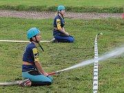 Déšť znemožnil regulérní soutěž v Prosenické Lhotě, tak hasičská družstva provětrala požární stříkačky jen rekreačně.